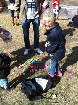 CityKinder Easter Egg Hunt 2013 for German Kids in Central Park, Manhattan, New York