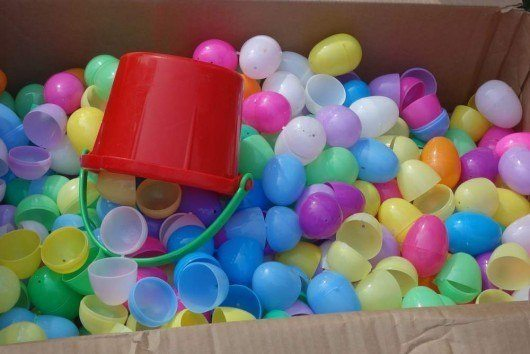 Box with Easter Eggs