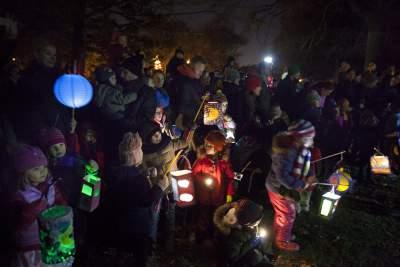 Lantern Walk German Families