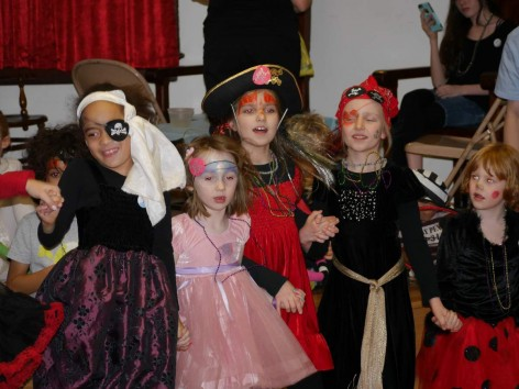 Kids dressed as pirates Karneval 2015