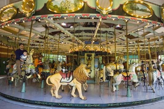 fruehling-im-prospect-park-carousel