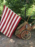 Historischer Karren mit US-Fahne, Philadelphia